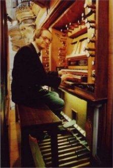 Jean-Pierre MILLIOUD au clavier du grand-orgue historique de la cathédrale Saint Louis de Versailles